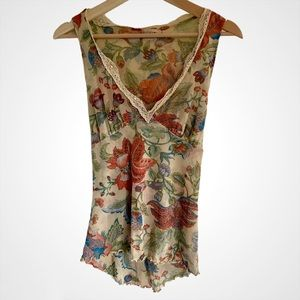 ⭐️3/$30 Sweet Pea Floral V-Neck Sleeveless Top